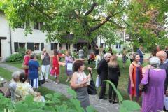 Momento conviviale ne giardino di casa Maldini